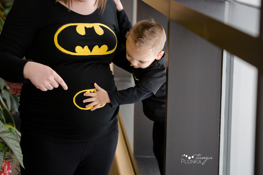 Batman themed maternity session