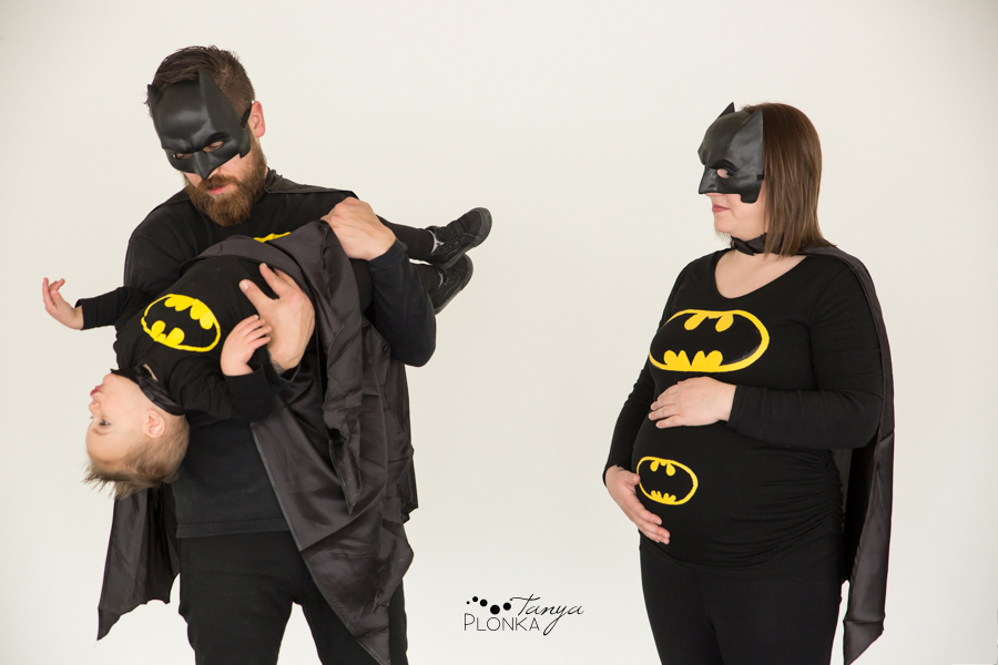 Batman themed family maternity session