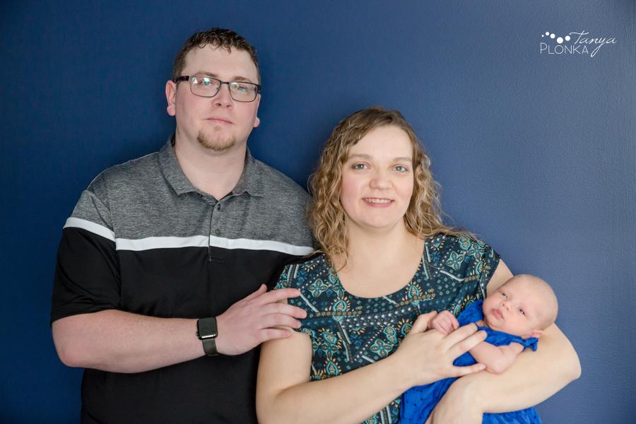 Lethbridge indoor family newborn photos