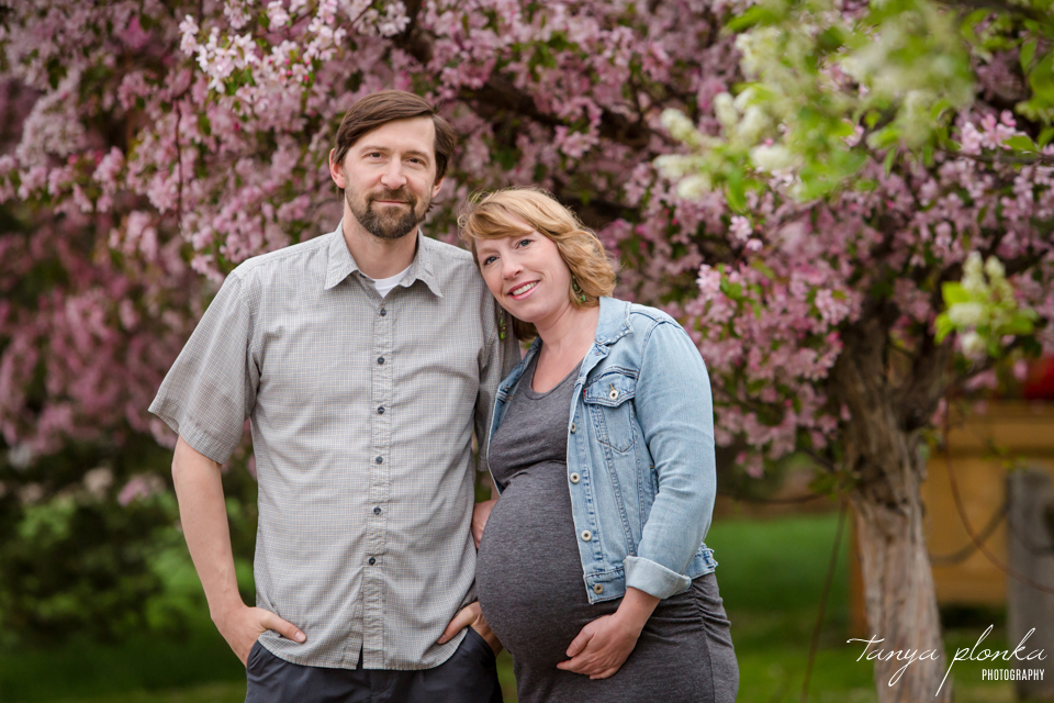 Lethbridge outdoor maternity photos