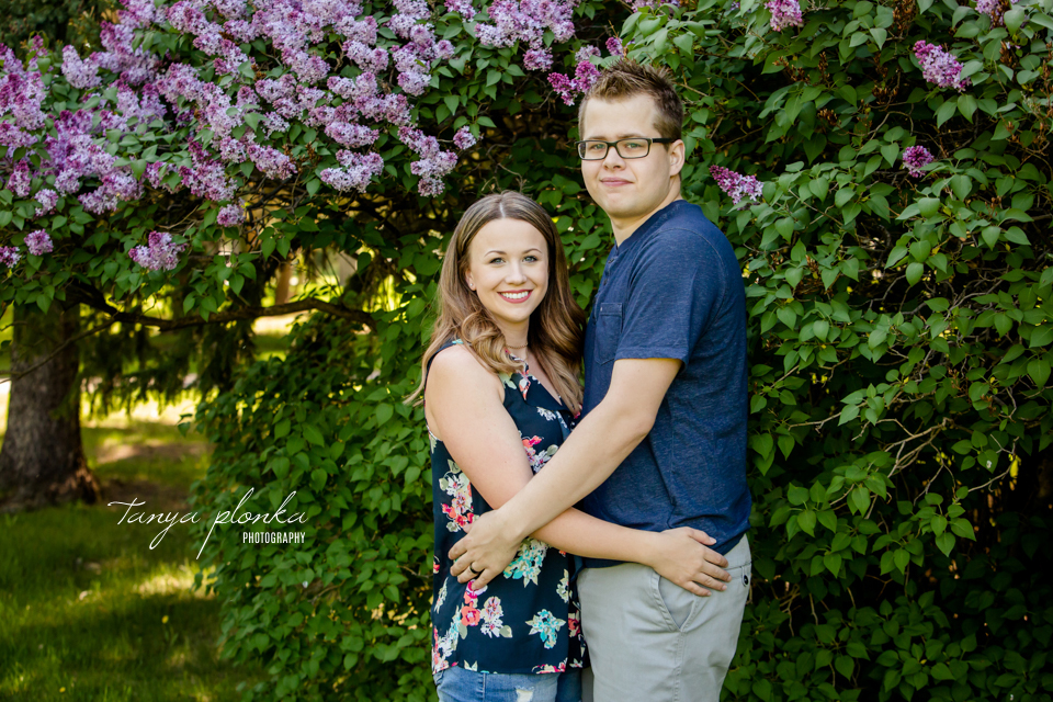 Lethbridge couples photos in lilacs