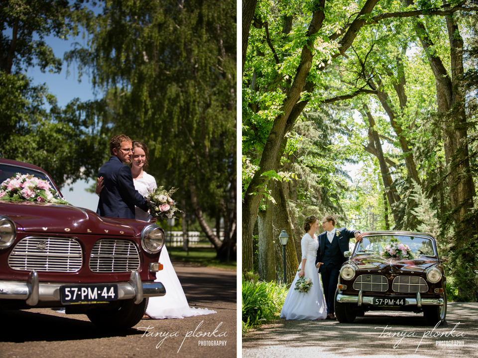 Robyn and Wayne, Lethbridge vintage car wedding photos