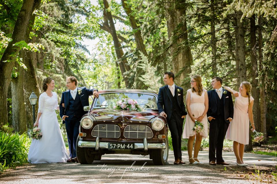 Robyn and Wayne, Lethbridge vintage car wedding photos