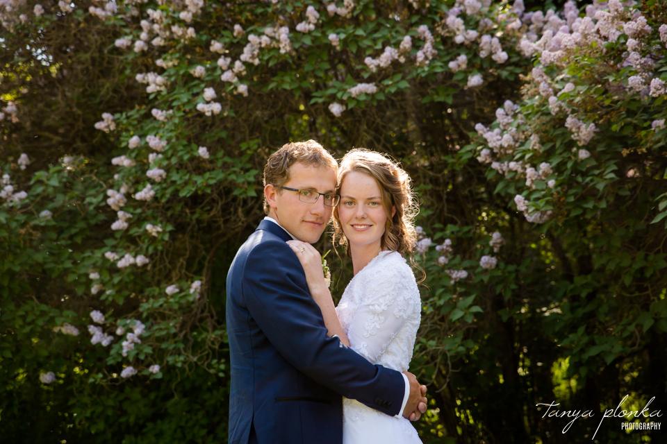 Robyn and Wayne, Lethbridge Henderson Lake lilac wedding photos