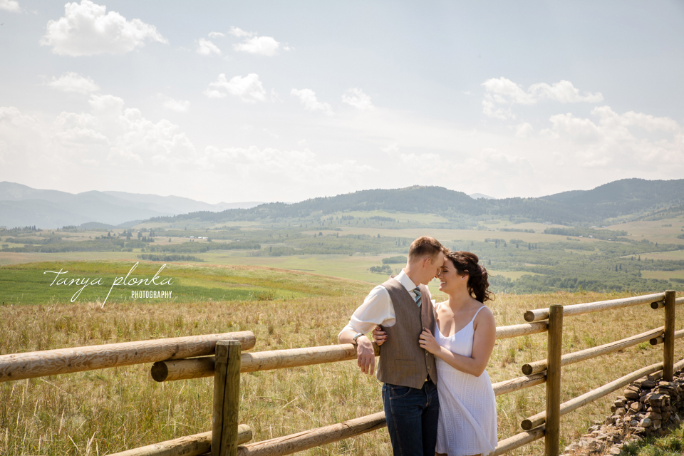 Kelsie & Scott, Lundbreck ranch outdoor wedding ceremony