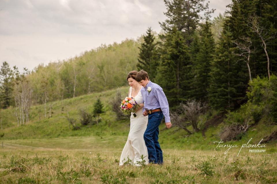 Monica & Dave, Claresholm outdoor ranch wedding