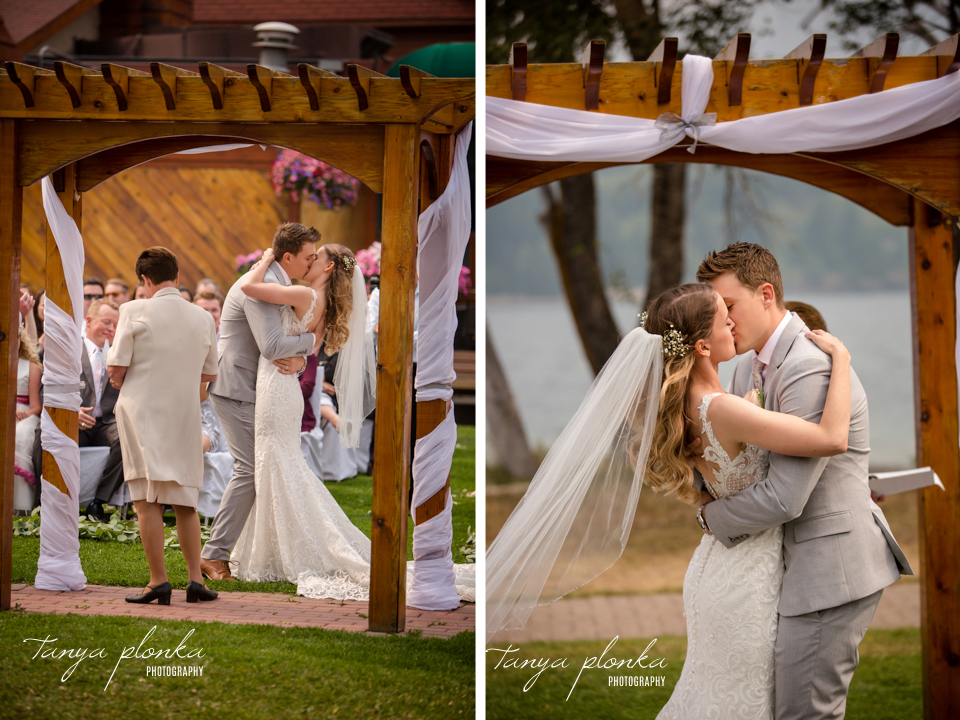 Julia and Kyle, Bayshore Inn outdoor wedding ceremony
