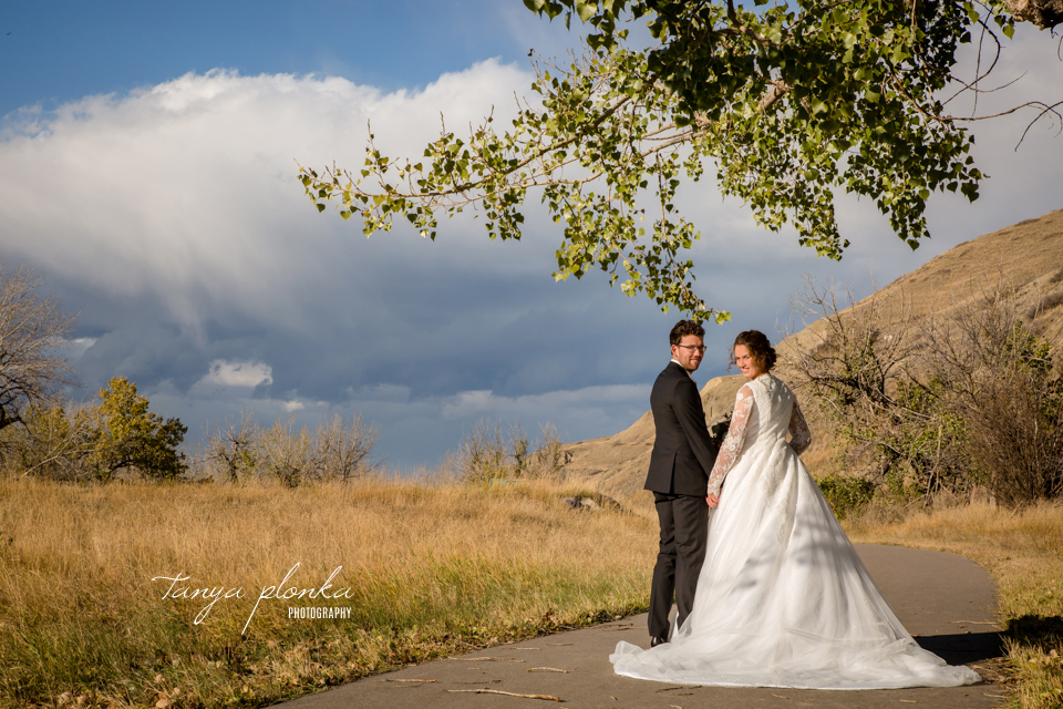 Stacie and Gerrit, Lethbridge Lodge Autumn Wedding Photography