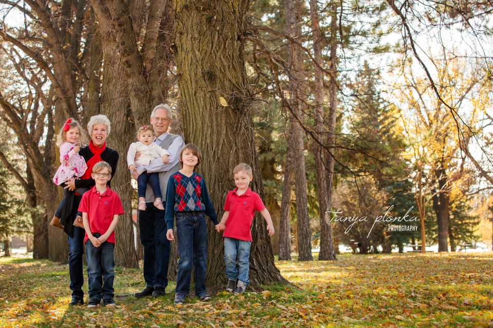 Lethbridge extended family photography session in autumn