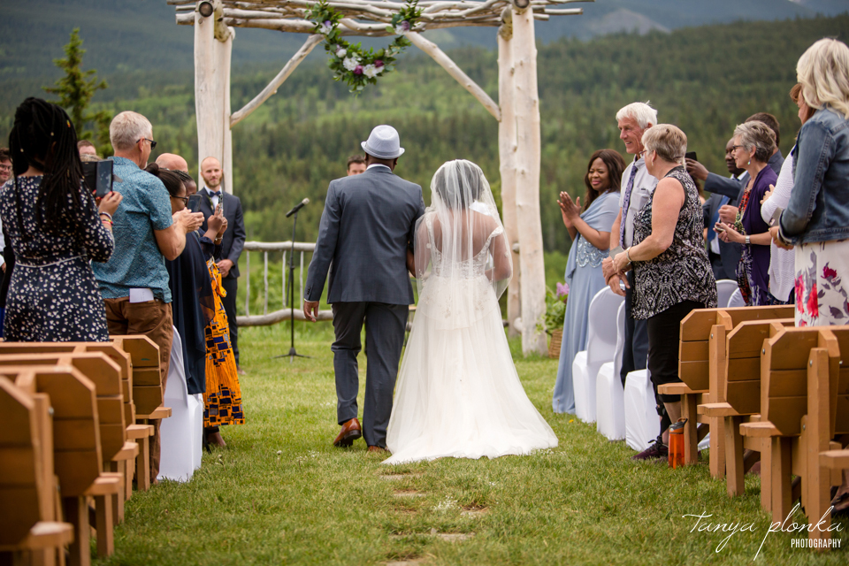 Michelle and Pieter, southern Alberta outdoor wedding ceremony