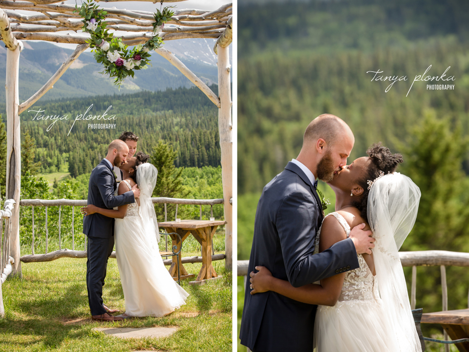 Michelle and Pieter, Gladstone Mountain Ranch outdoor wedding ceremony