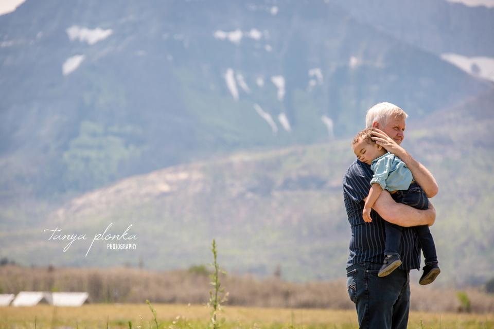 Southern Alberta mountain family photography