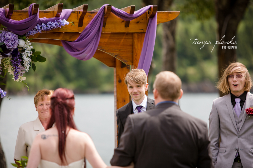 Kendal and Mike, Bayshore Inn outdoor ceremony