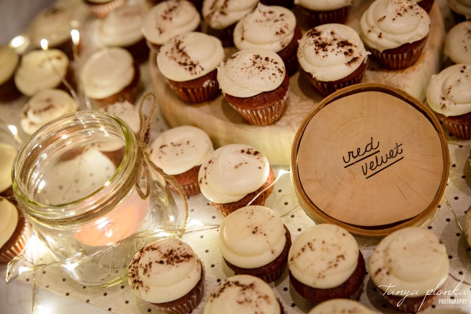 Roxy and Josh, wedding cupcakes in Calgary
