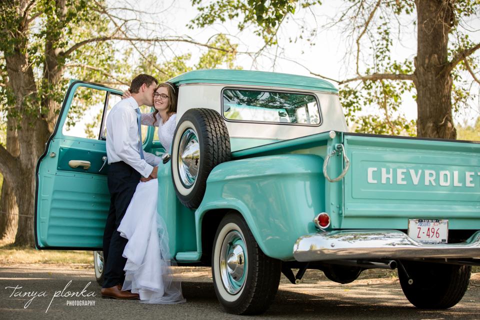 Jody & Corne, Lethbridge Indian Battle Park wedding