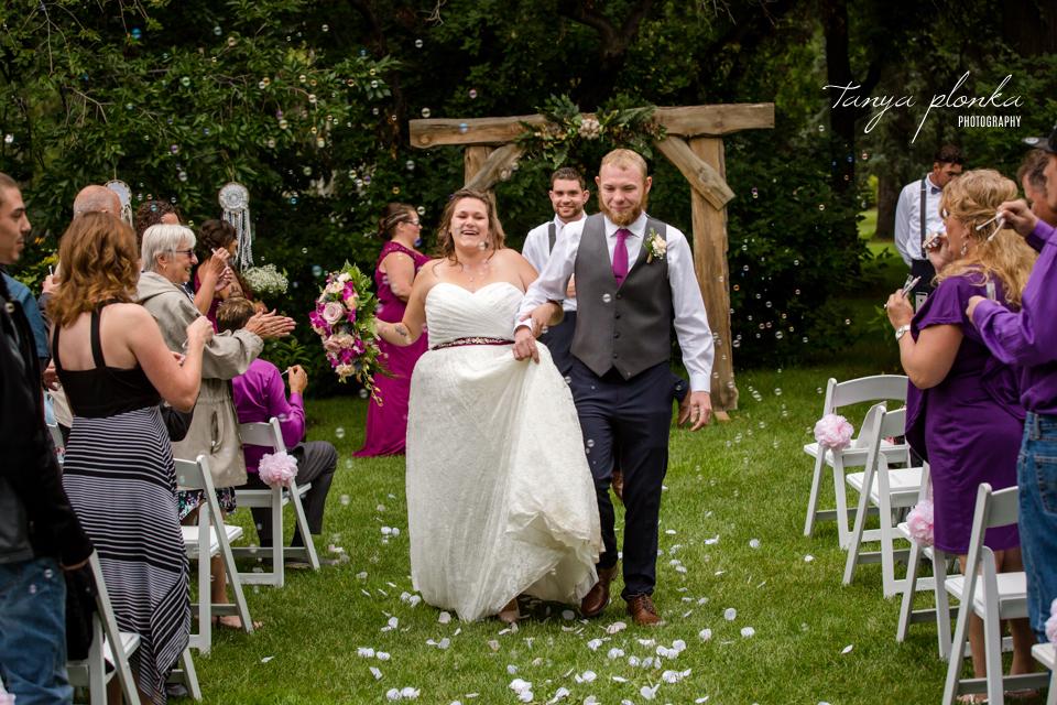 Shaylee and Dennis, Lethbridge Fairfield Garden Wedding photos