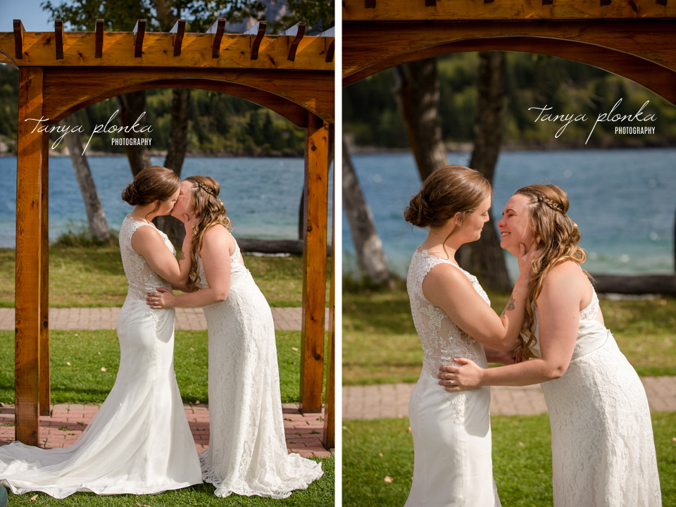Cassie and Chelsea, Bayshore Inn wedding photos