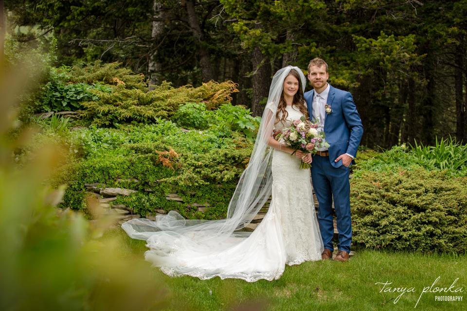 Julie & Nathan, outdoor spring wedding photos