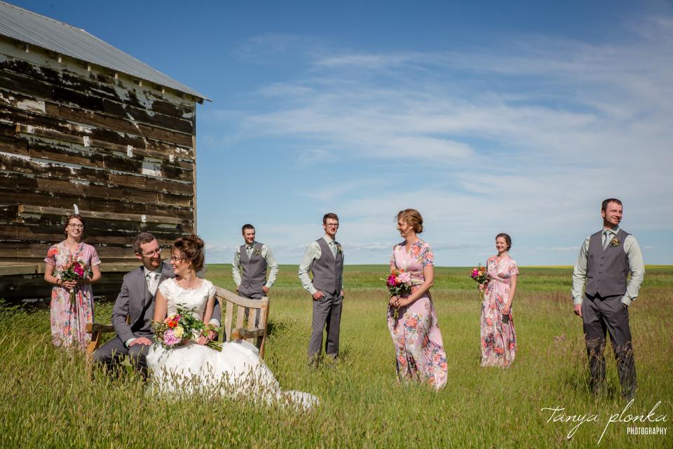 Nicole & Brayden, Skiff backyard wedding photos