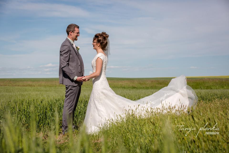 Nicole & Brayden, Southern Alberta outdoor farm wedding photos