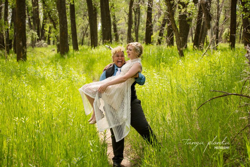 Kit & Tristian, Lethbridge Indian Battle Park wedding photos