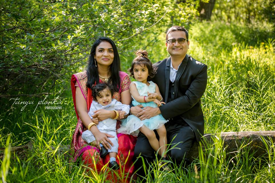 summer morning family photos in Lethbridge