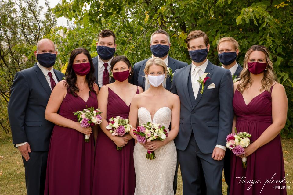 Francine & Clayton, wedding party in COVID masks