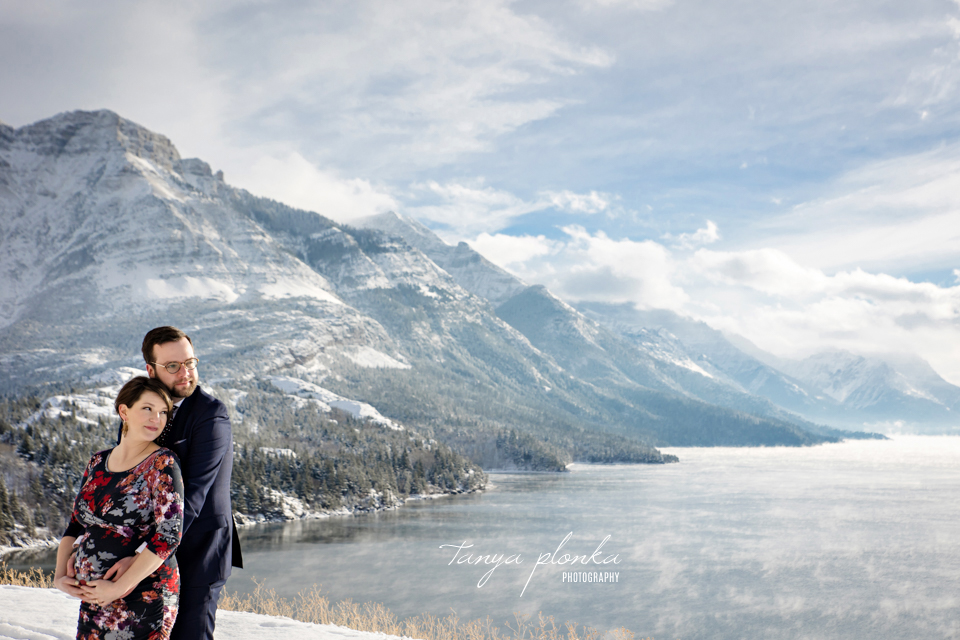 Waterton winter maternity session