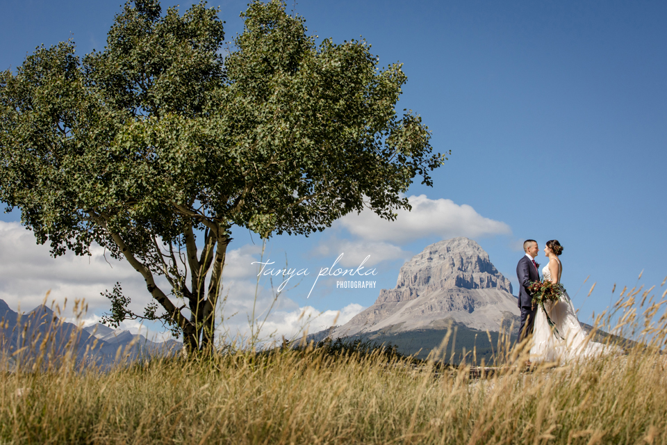 Sheridin & Ian, Willow Drive outdoor wedding in the Crowsnest Pass