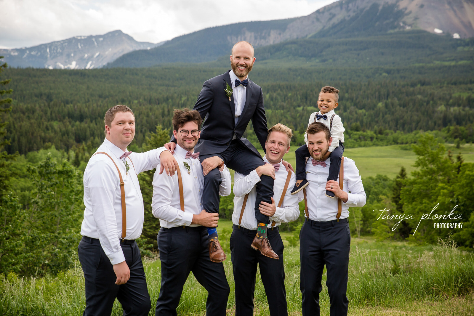 Groomsmen Lifting Groom on their shoulders at Gladstone Mountain Ranch
