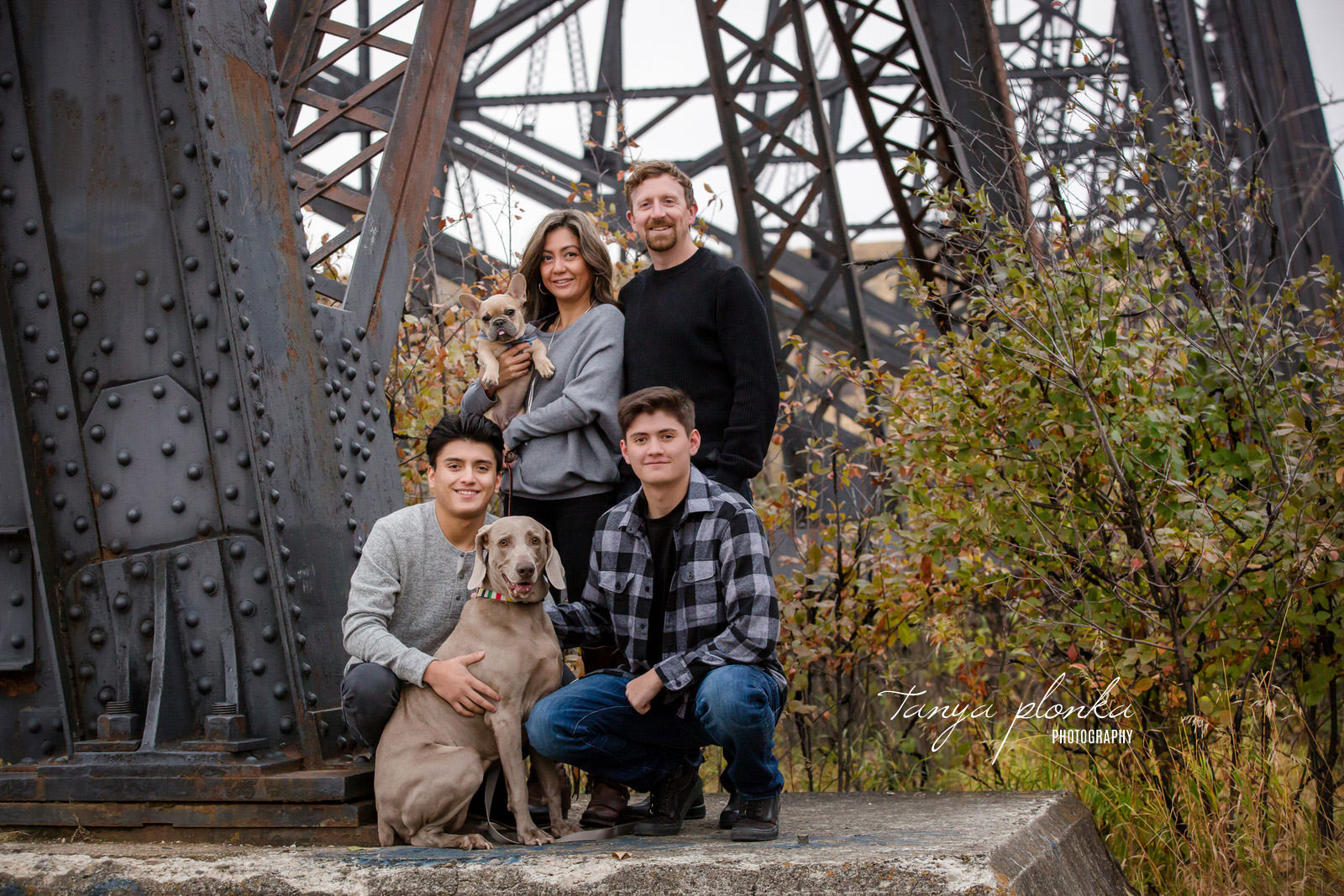 High Level Bridge family photo with dogs
