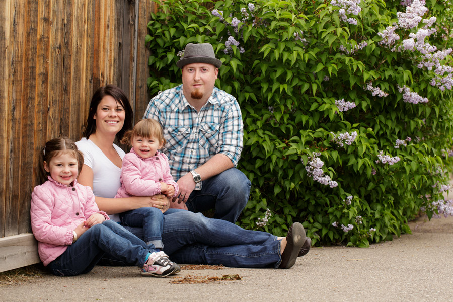 Lethbridge family portrait by lilacs in spring