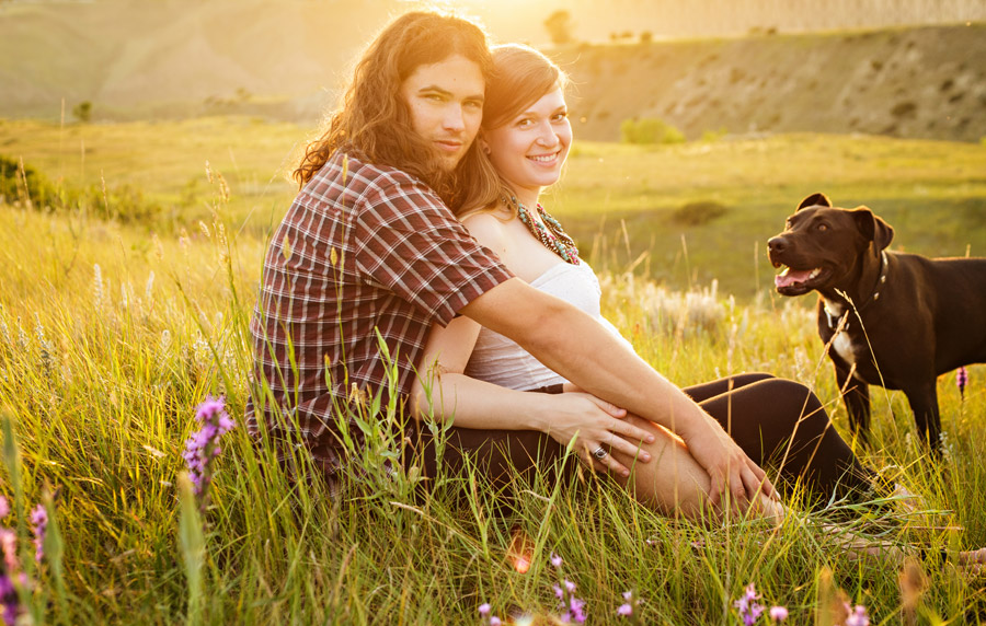 Maternity photo in Lethbridge with dog
