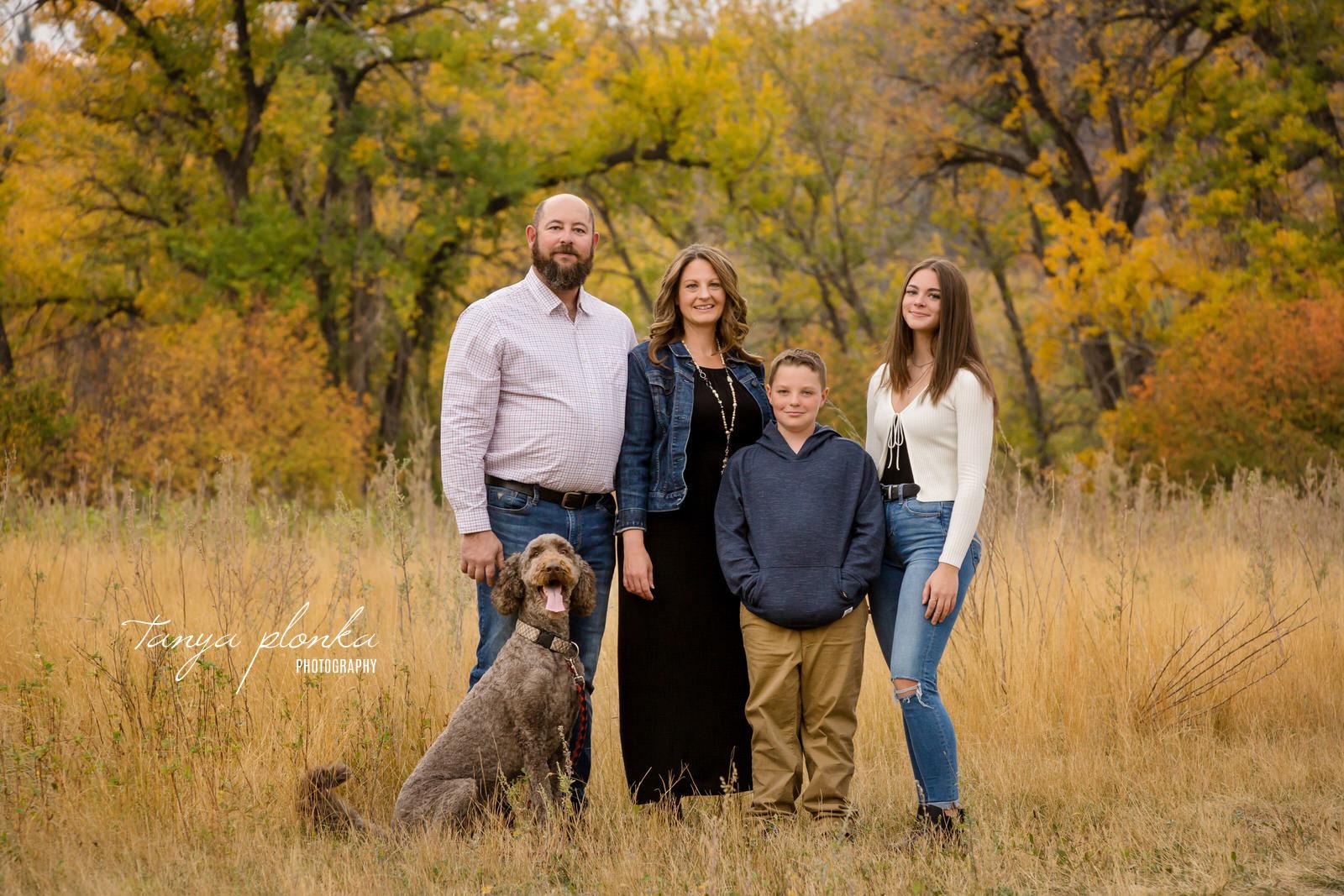Vibrant autumn family photographer